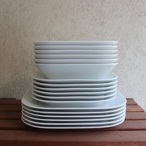 Crate & Barrel set of 6, dinnerware